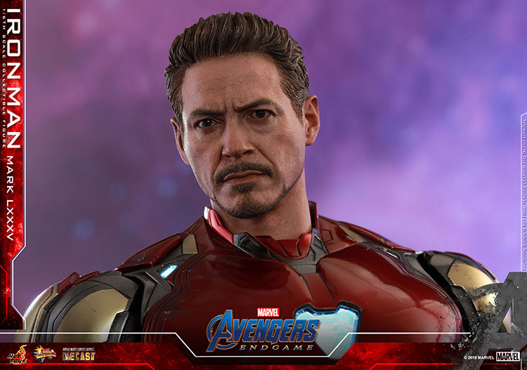 Movie Masterpiece Diecast - 1/6 Scale Fully Poseable Figure: Avengers: Endgame - Iron Man Mark 85